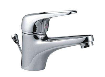 Vízcsap külső menetes vízadagolóval